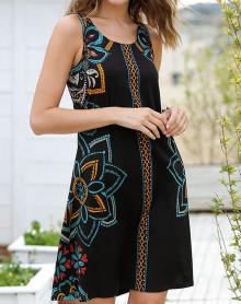 Black beach dress with floral patterns Massana