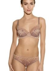 Collection Embrace Lace by Wacoal